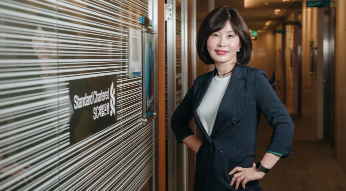 'It was a really good change for me' — a senior banker on her EMBA